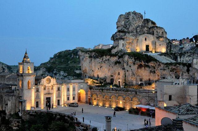 世界遺産 マテーラの洞窟住居と岩窟教会公園の画像 マテーラの洞窟住居と岩窟教会公園の絶景写真画像  イタリア