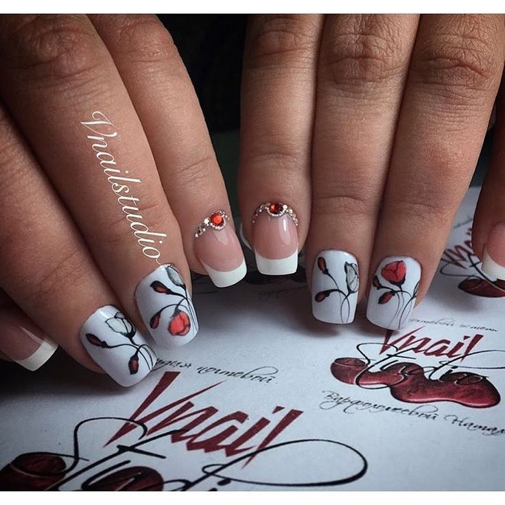 Beautiful white nails, French manicure, French manicure ideas, French manicure news 2017, French nails with flowers, Nails with rhinestones ideas, Spring nails with flowers, White French nails