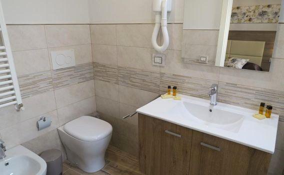 B And Q Bathroom Furniture Best Of Elisa Guest House 92 I 1i 3i 7i Florence Hotel Deals Reviews Kayak Di 2020