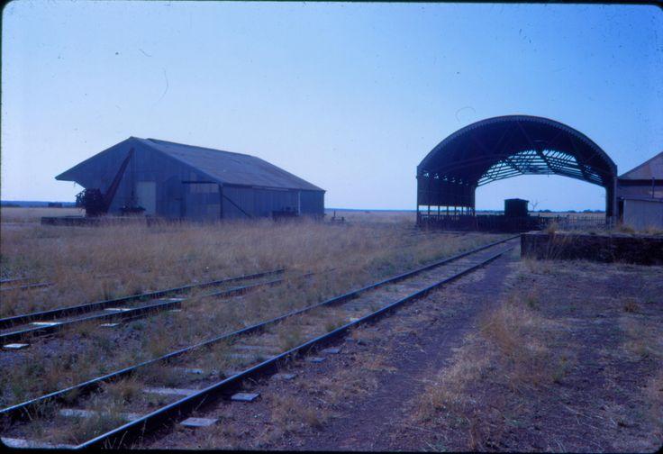 https://flic.kr/p/deYHEu | dl100_168 | Normanton station, Queensland, early 1970's  David Lidster photo