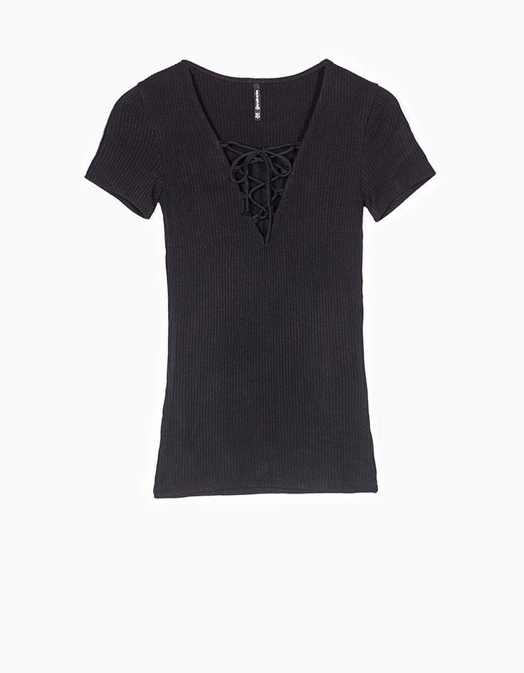 Stradivarius Colombia Camiseta lace-up #MomentoExtrardinario