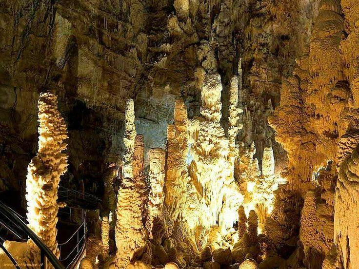 We are waiting you with a special offer for visit the Frasassi Caves! Vi aspettiamo con una speciale offerta per visitare le Grotte di Frasassi! http://www.hotelgrottefrasassi.it/it/notizie-ed-eventi/44-in-bab-da-25-.html  #Sassoferrato #Marche #Frasassi