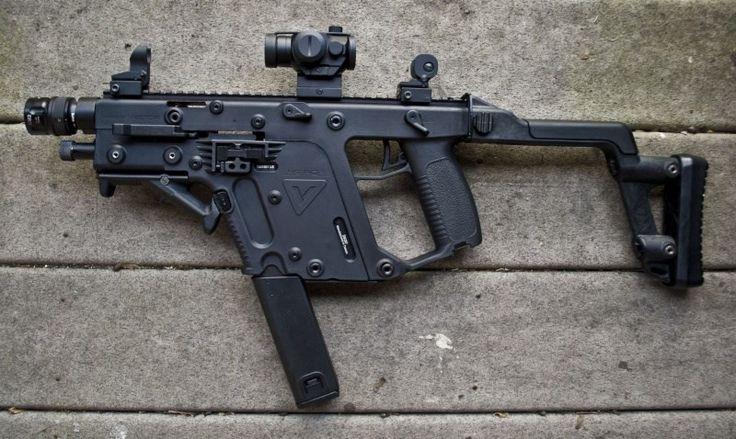 """Tiểu liên KRISS Vector là một trong những mẫu vũ khí cá nhân tiên tiến của thế kỷ 21 do công ty vũ khí Kriss của Mỹ chế tạo, ra đời từ năm 2006 và bắt đầu được sản xuất từ năm 2009 cho tới tận ngày nay. Bên cạnh, thiết kế hiện đại Vector còn sở hữu tốc độ bắn """"kinh hồn bạt vía"""" đánh bại nhiều dòng súng trường tấn công hiện nay trên thế giới. Nguồn ảnh: Kriss."""