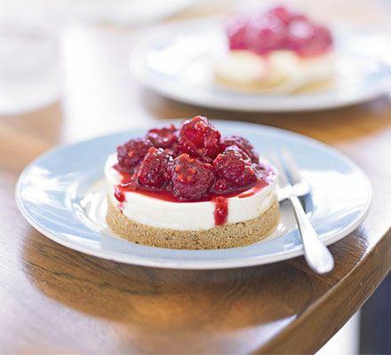 Manuka honey cheesecake with raspberries