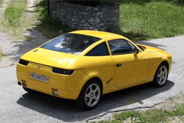 Deze knalgele Lancia Delta Hyena uit september 1992 wordt te koop aangeboden in Duitsland. De Hyena is het 14e gebouwde exemplaar en heeft nog maar 20.745km