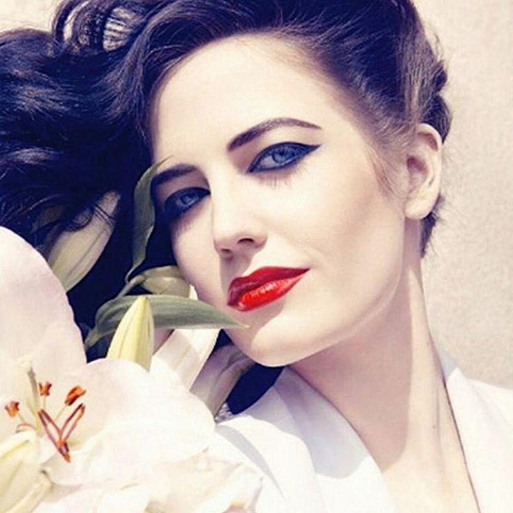 Инопланетная Ева Грин @evagreen_official �� #евагрин#evagreen#celebrity #photography #photos #photo#makeup#redlips #redlipstick #cinema #movie #actress #shooting #fashion#magazine #style #киноактриса#звёздныйстиль #фотосессия #фотодня #модаистиль #светскиеновости #кино http://tipsrazzi.com/ipost/1514035827670298906/?code=BUC75BFgLEa