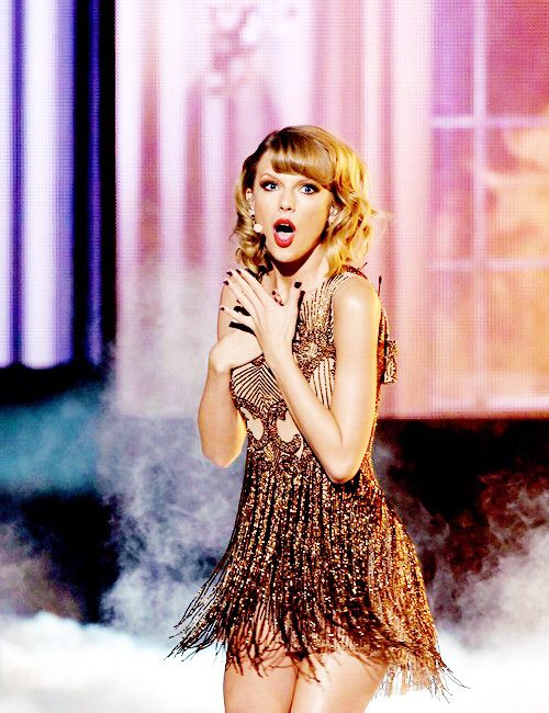 "Taylor Swift - American Music Awards 2014 - Los Angeles, CA. - November 23, 2014. - ""Blank Space"""