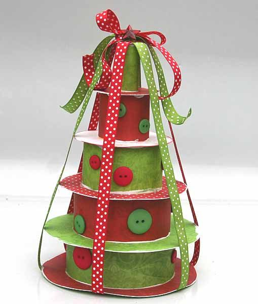 how to make a cristmas tree by stacking cardboard boxes