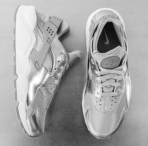 Metallic Nike Huarache sneakers Clothing, Shoes & Jewelry : Women : Shoes http://amzn.to/2k0ZSzK