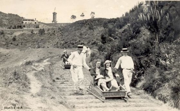 Carro de Cesto. Descida do Terreiro da Luta, Madeira.