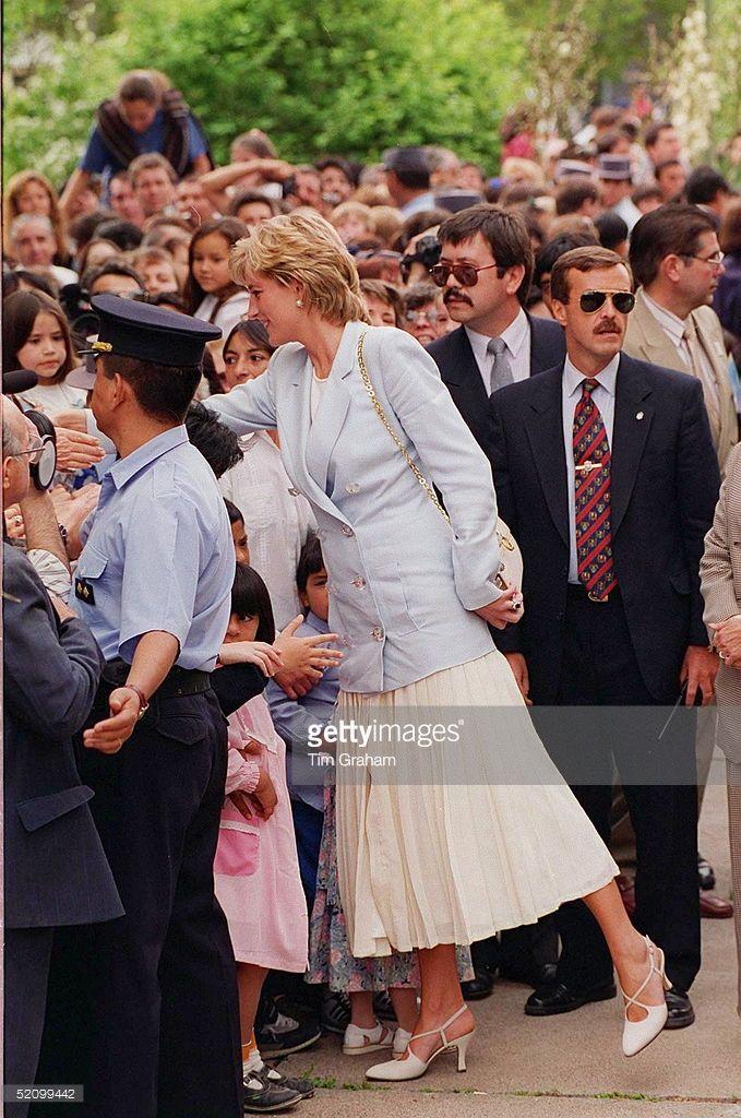 November 25, 1995: Diana Princess Of Wales In Argentina Visiting Gaiman, Patagonia.   November 25, 1995 License