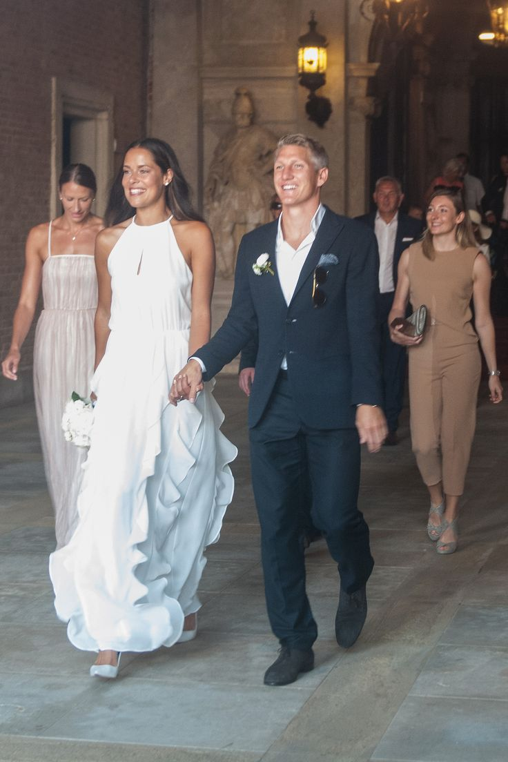 Manchester United midfielder Bastian Schweinsteiger has tied the knot with 29-year-old Serbian tennis star Ana Ivanovic at a ceremony in Italy. Congratulations to the lovely bride and groom! As always, Ana is gorgeous : )