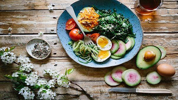 I miei 7 ingredienti magici per rendere l' insalata più saziante e deliziosa!