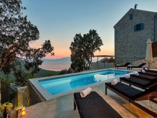 Romantisches Steinhaus Mit Beheiztem Pool Und Meerblick Mit Bildern Urlaub Ferienhaus Kroatien Ferienwohnung Kroatien