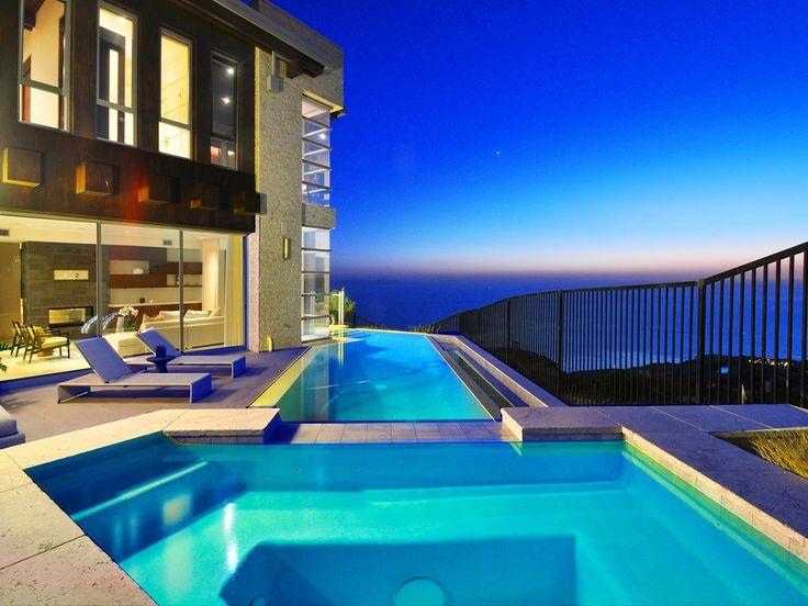 Oceanfront Swimming Pool | Rancho Palos Verdes, California