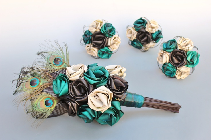Peacock brides flax bouquet in turquoise, black and ivory. www.flaxation.co.nz