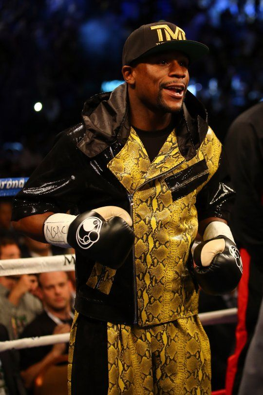THE CHAMP IS HERE!! Floyd Mayweather Beats Robert Guerrero to Retain W.B.C. Title [PHOTOS]