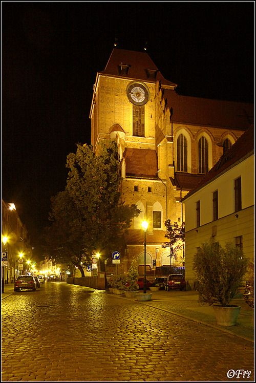 handa:    By night…, a photo from Kujawsko-Pomorskie, West | TrekEarth
