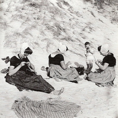 Dutch women knitting on the beach in Zeeland, 1930s, by Eva Besnyö