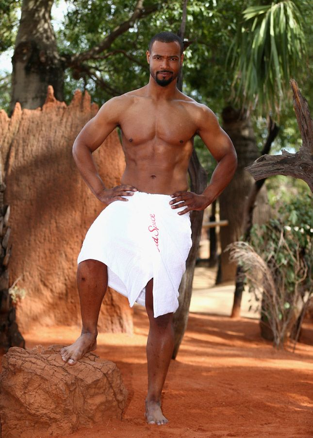 Isaiah Mustafa Is Shirtless & Hanging Out With A Python - Socialite Life
