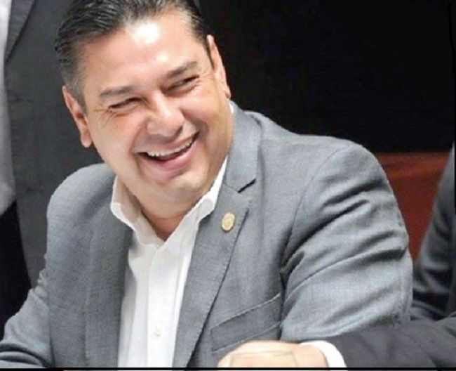 Fallece Carlos Hermosillo diputado del PRI en accidente - http://www.notimundo.com.mx/mexico/carlos-hermosillo-diputado-pri/