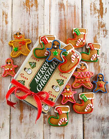 Gingerbread Family Christmas Cookie Tin
