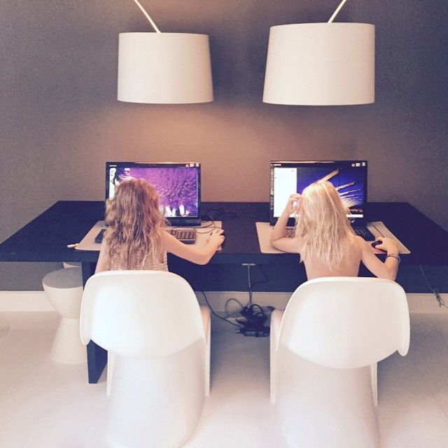 The girls know how to improve their skills, and #AnemiHotel has the technology to help them! #Folegandros Photo credits: @noor_in_dubai