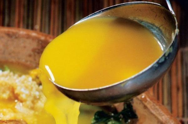 Aprenda a preparar caldo de Tucupi com esta excelente e fácil receita. O Tucupi é um caldo típico da culinária amazônica, preparado com com a raiz da mandioca brava....