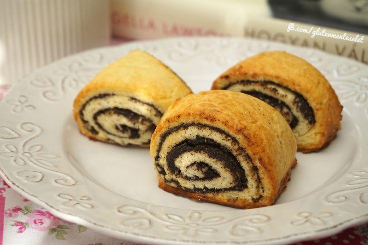 Imádom a mákos péksüteményeket... amikor vezetni tanultam az oktatóm mindig egy pékségben vásárolt ...