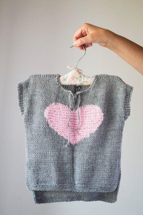 Knitted jumper for girls // Grey girl vest 3-4 by @OnwardOnward