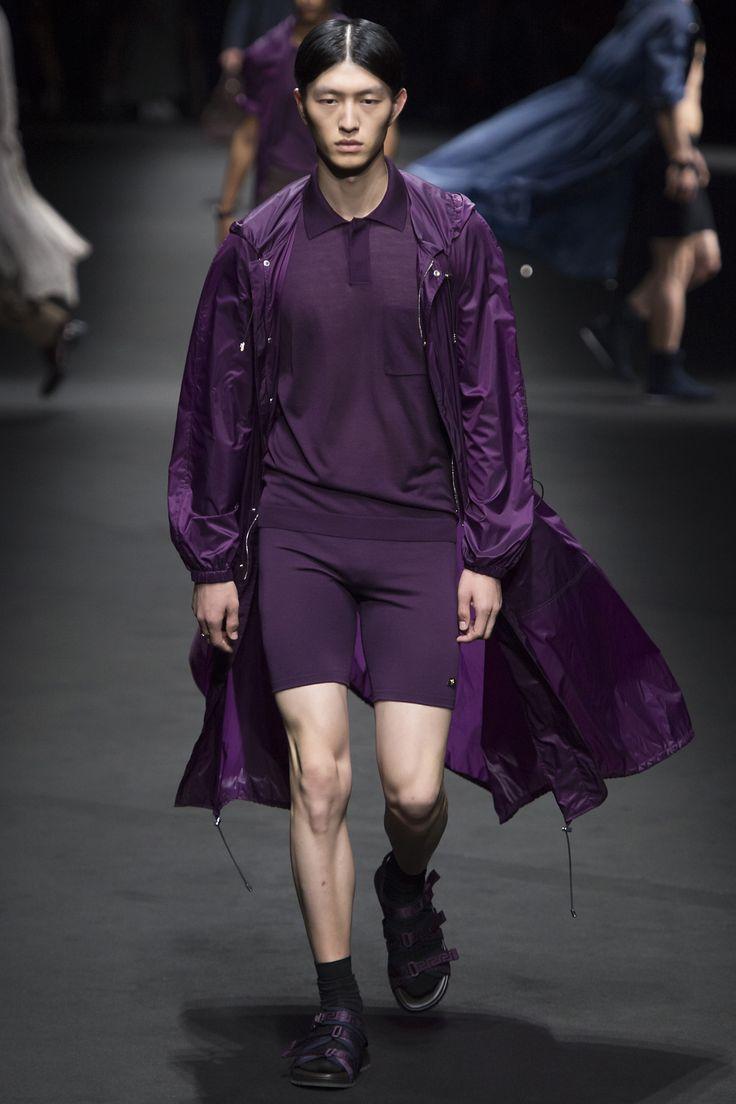 Défilé Versace Printemps-été 2017 19
