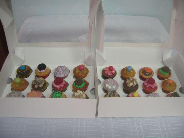 Lote de 24 minicupcakes.