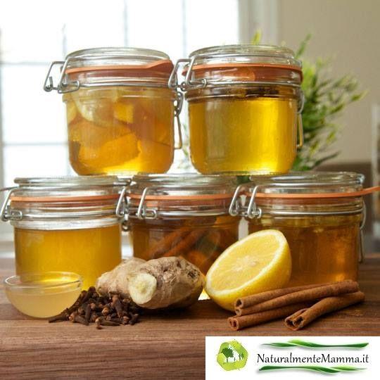 Il miele è uno dei miracoli della natura. E' un ingrediente delizioso in molti alimenti, ha proprietà antibatteriche, funziona da umettante (man