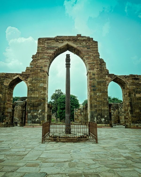 Mehrauli Iron Pillar   Iron pillar of delhi, Structure ...