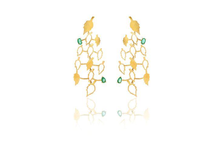 Composizione:orecchini in oro 750, con doppia coppia di smeraldi dello Zambia per un totale di 1.75 carati,uniti da una monachella