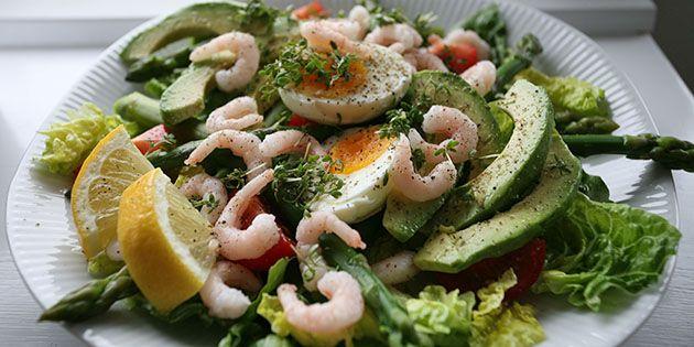 Virkelig lækker salat, der er propfyldt med dejlige sunde ingredienser