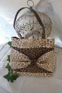 Mini-Sac MIX PANTHER FELIN est un joli sac à main se coordonne, ou pas, avec les espadrilles PANTHER ou FELIN. Entièrement fait à Nice dans mon atelier.