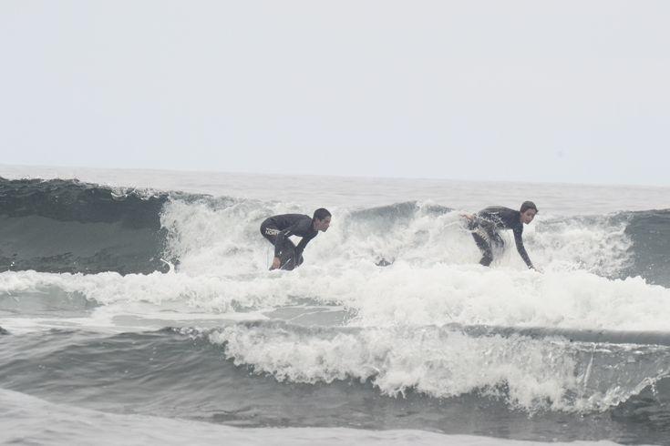 Max Surf:  Es el plan ideal para el verano. Aprenderás idiomas en Asturias haciendo Surf.      #Summercamp #WeLoveBS #inglés #anglès #idiomas #Colonias #Colonies #Campamento #Camp #Niños #Verano #english #Deporte #sports #Surf #olas