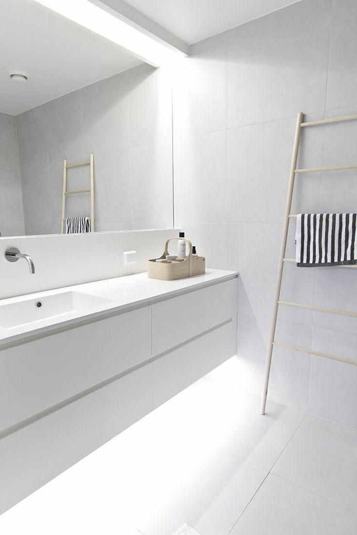 20 best BADKAMER | Strak & Modern images on Pinterest | Bathroom ...