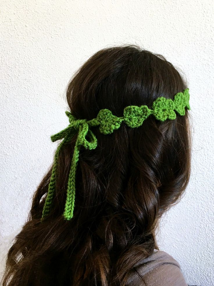 Shamrock Flower Crown for St. Patrick's Day: free crochet pattern for a 3-leaf or 4-leaf clover flower chain | She's Got the Notion