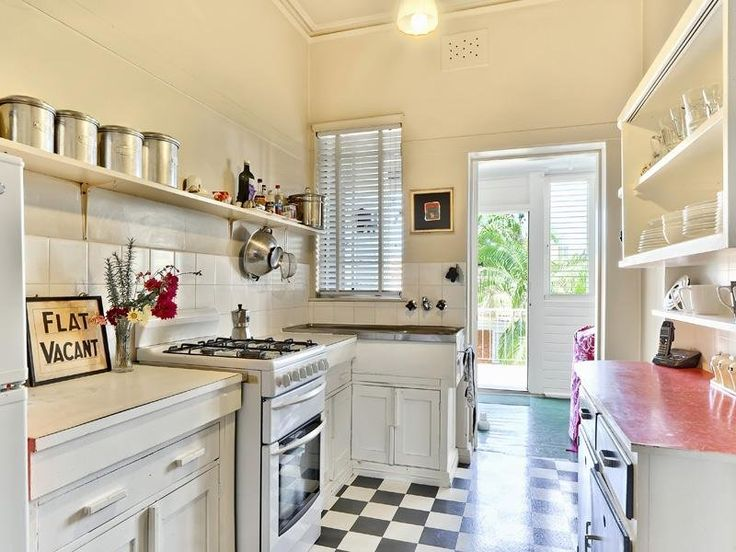 1000 ideas about 1930s kitchen on pinterest vintage for 1930 s kitchen cabinets