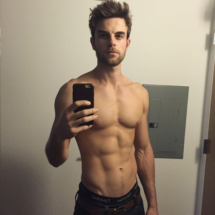 Nathaniel Buzolic / Dean : Pretty Little Liars