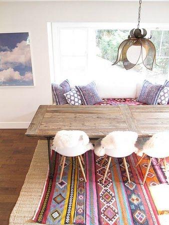 rug & teak table