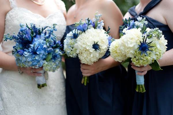 букет невесты, букеты для подружек  Photography By / http://natehendersonphoto.com