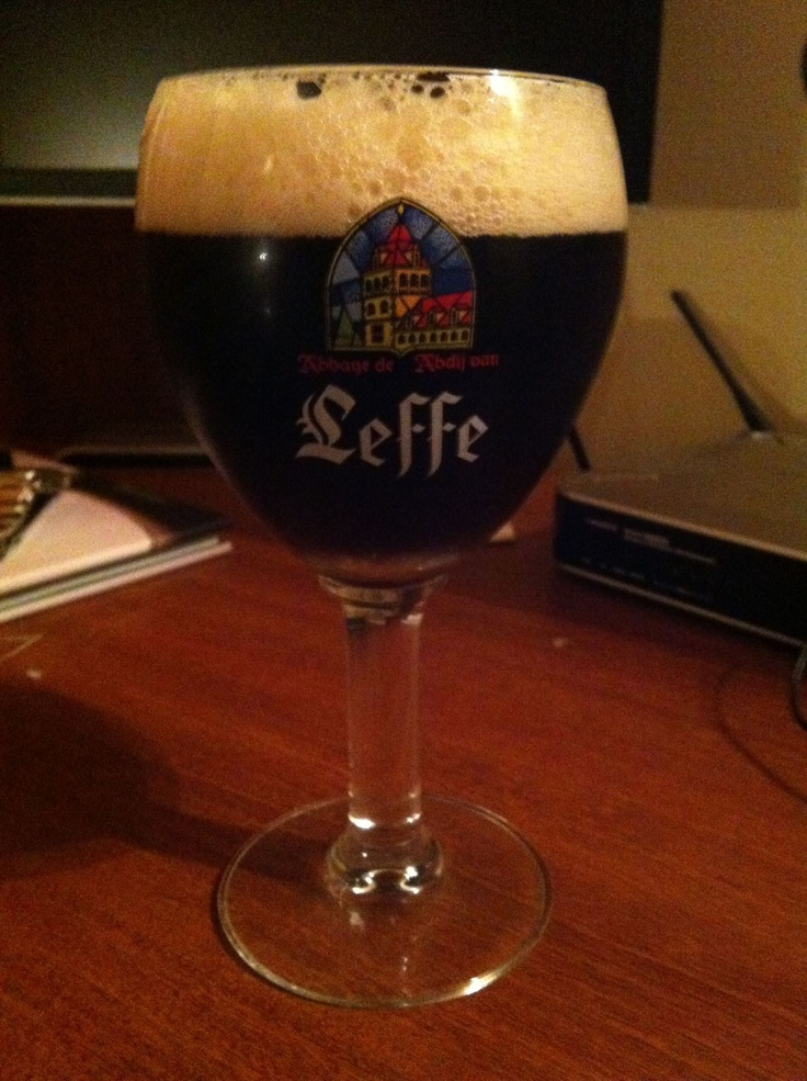 Cerveza Leffe Bruin    Pais: Belgica    Tipo: Bruin - Abadia   Porcentaje de alcohol: 6.5%   Ver reseña: http://cepasdestiladosfermentados.tumblr.com/post/21386646450/cerveza-leffe-bruin-la-formula-de-esta