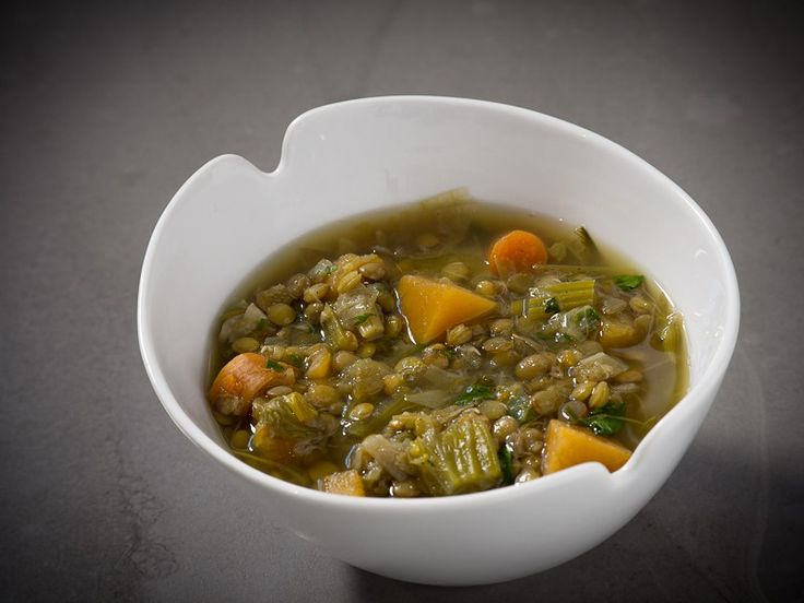 In this recipe I use the same vegetable base as in Vegetable cassoulet with white beans, but instead of beans I use lentils. I season the dish with finely ground pepper and these two things makes it a completely different dish!   This recipe yields 4 servings.  Ingredients 200 g dried lentils. Some types require to