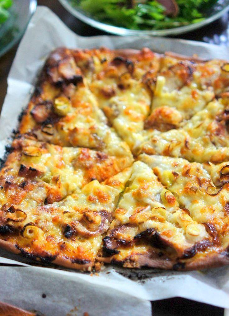 照り焼きチキンと長葱のピザ by manngo / ピザソースの代わりにわさびマヨネーズを塗った大人のピザです。 / Nadia