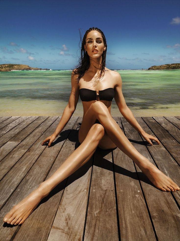 Hilary Rhoda's Feet << wikiFeet