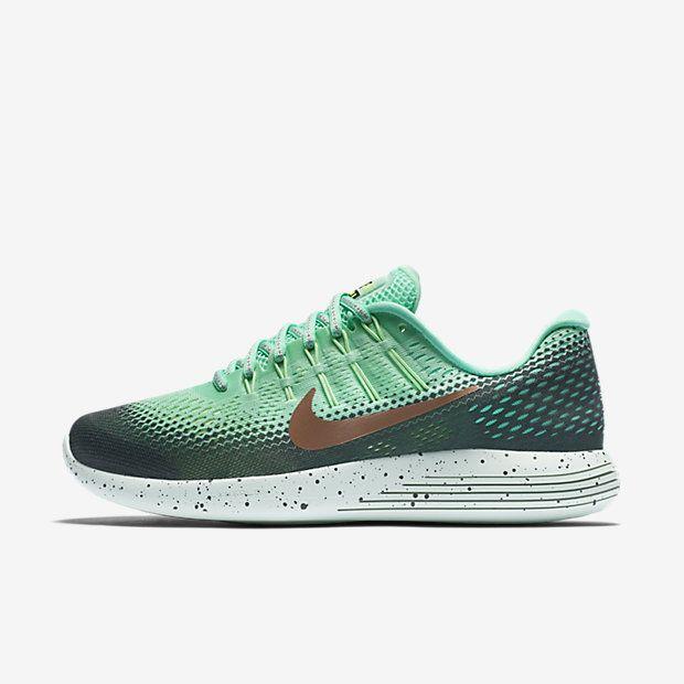 Découvrez toute la collection de chaussures, vêtements et équipements Nike  sur www.nike. Woman RunningWomen Running ShoesRunning ...