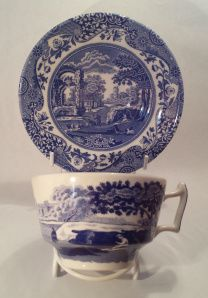 Italian Blue About: Spode, Italian Blue From: Peters of Kensington Price: $38 Quality: excellent Notes: I desperately wanted some Spode, and Italian Blue is a classic piece to collect! I deliberately set out with my best friend Sam to go to Peters of Kensington in Kensington Sydney. It took ages to get there but the store is well worth it. Every visit is like an adventure! It's important to note that Italian Blue is different to Willow ware.